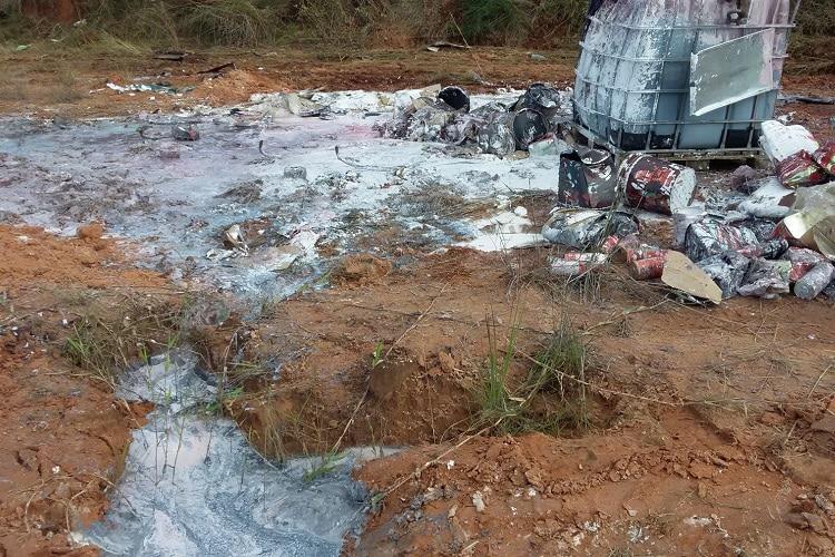 atendimento de contenção em emergências ambientais com derramamento no solo